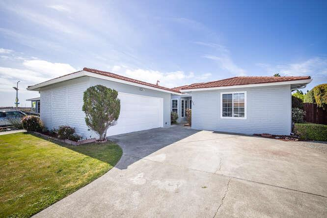 Detail Gallery Image 1 of 1 For 1490 Halibut St, Foster City,  CA 94404 - 4 Beds   2 Baths