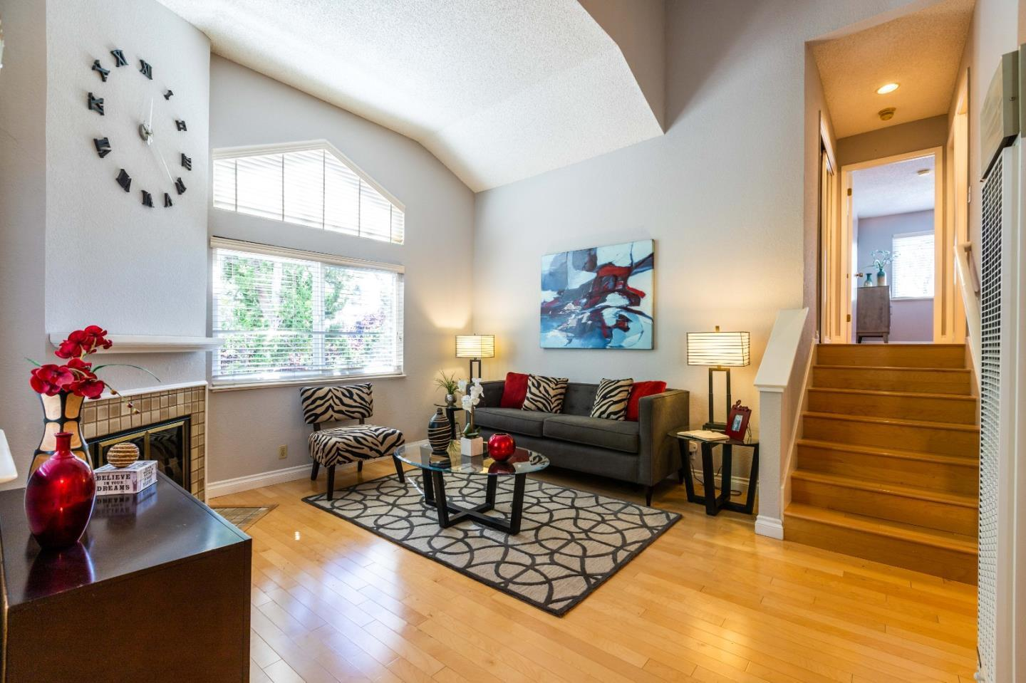 Detail Gallery Image 1 of 17 For 698 Blackford Ct, San Jose,  CA 95117 - 1 Beds | 1 Baths