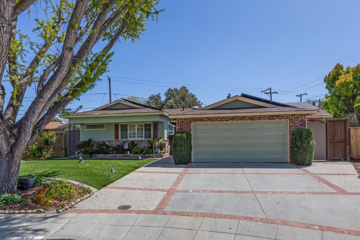 Detail Gallery Image 1 of 1 For 561 Carla Ct, Mountain View,  CA 94040 - 3 Beds   2 Baths