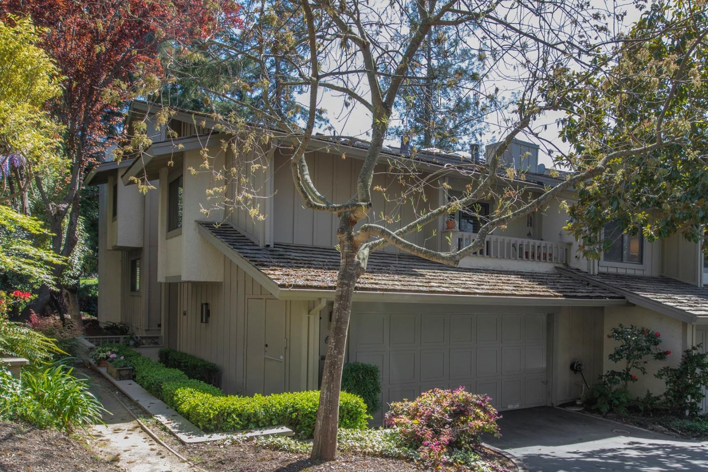Detail Gallery Image 1 of 37 For 666 Sand Hill Cir, Menlo Park,  CA 94025 - 3 Beds | 2/1 Baths