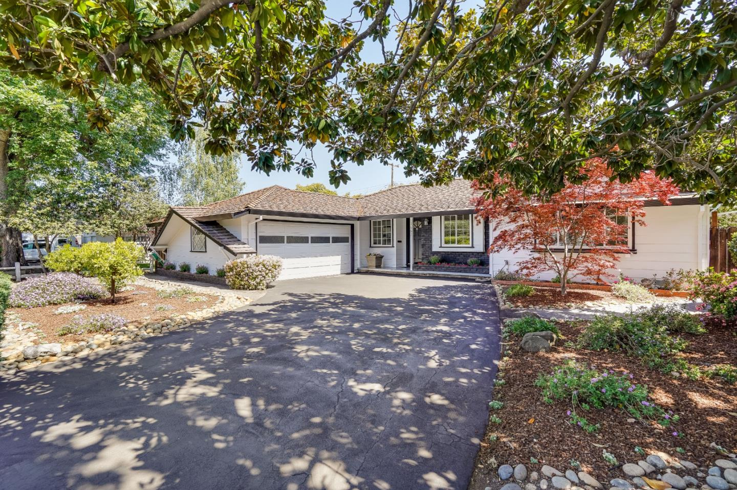 Detail Gallery Image 1 of 38 For 1667 S Springer Rd, Mountain View,  CA 94040 - 4 Beds   2 Baths