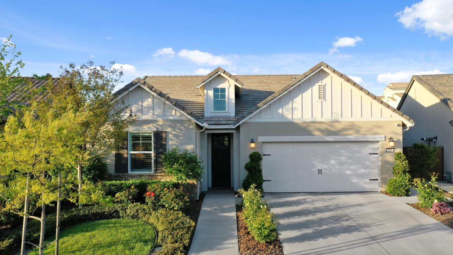 Detail Gallery Image 1 of 32 For 285 Isabella Dr, Lodi,  CA 95240 - 3 Beds | 2 Baths