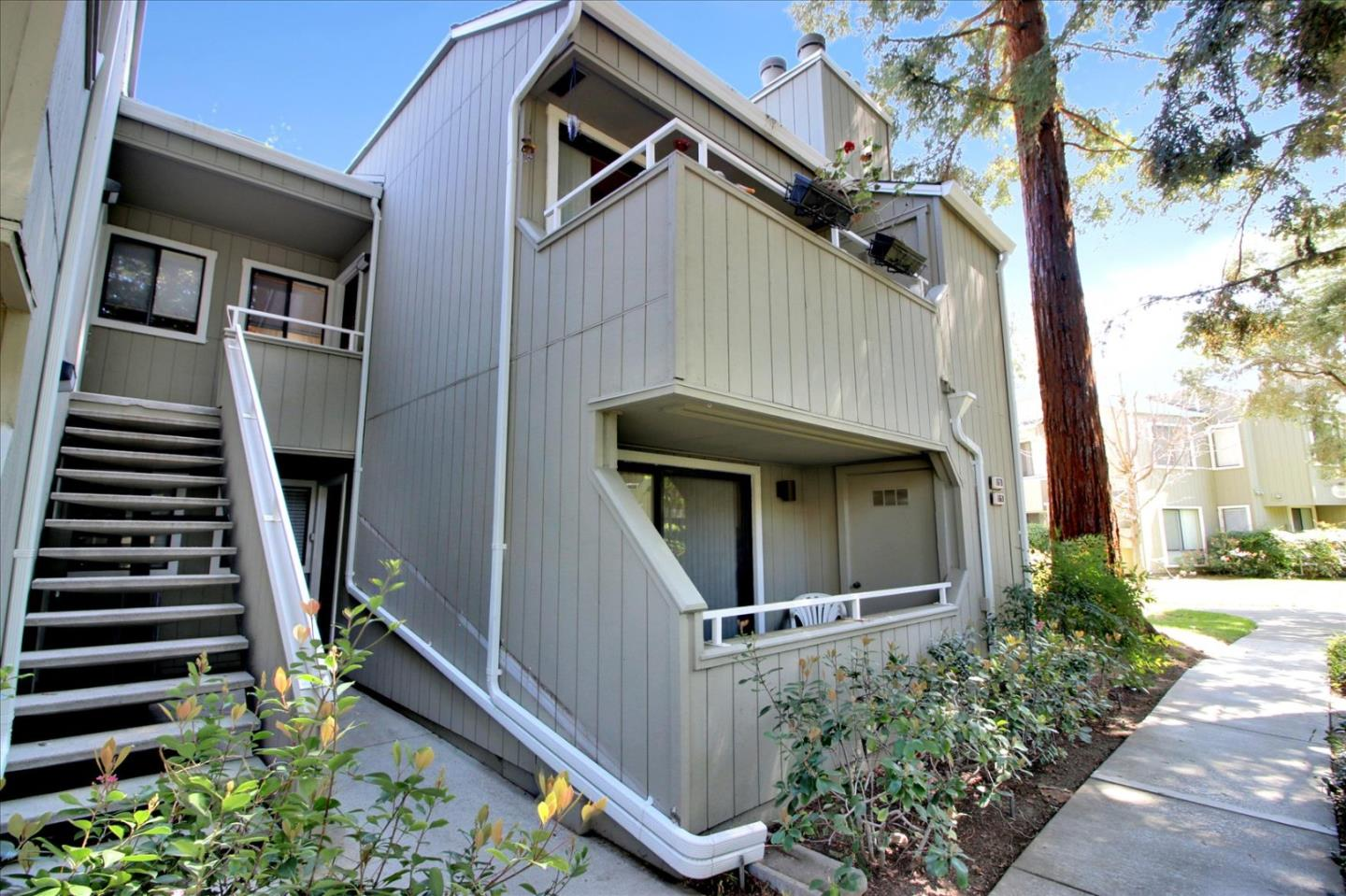 Detail Gallery Image 1 of 30 For 1670 Braddock Ct, San Jose,  CA 95125 - 2 Beds   2 Baths