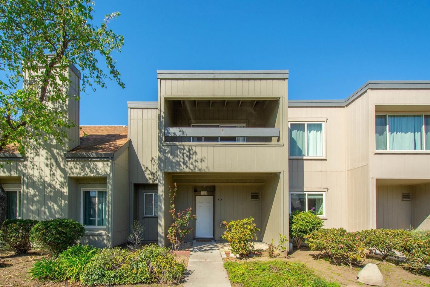 Detail Gallery Image 1 of 1 For 1071 Mangrove Ln, Alameda,  CA 94502 - 3 Beds | 1/1 Baths
