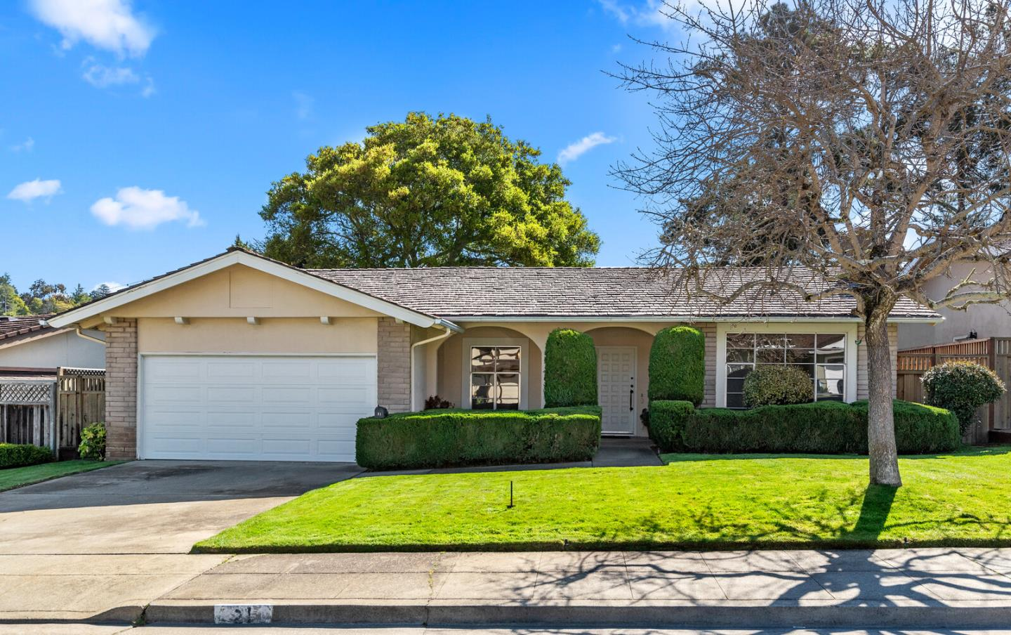 Detail Gallery Image 1 of 22 For 21 Los Altos Pl, San Mateo,  CA 94402 - 3 Beds | 2 Baths