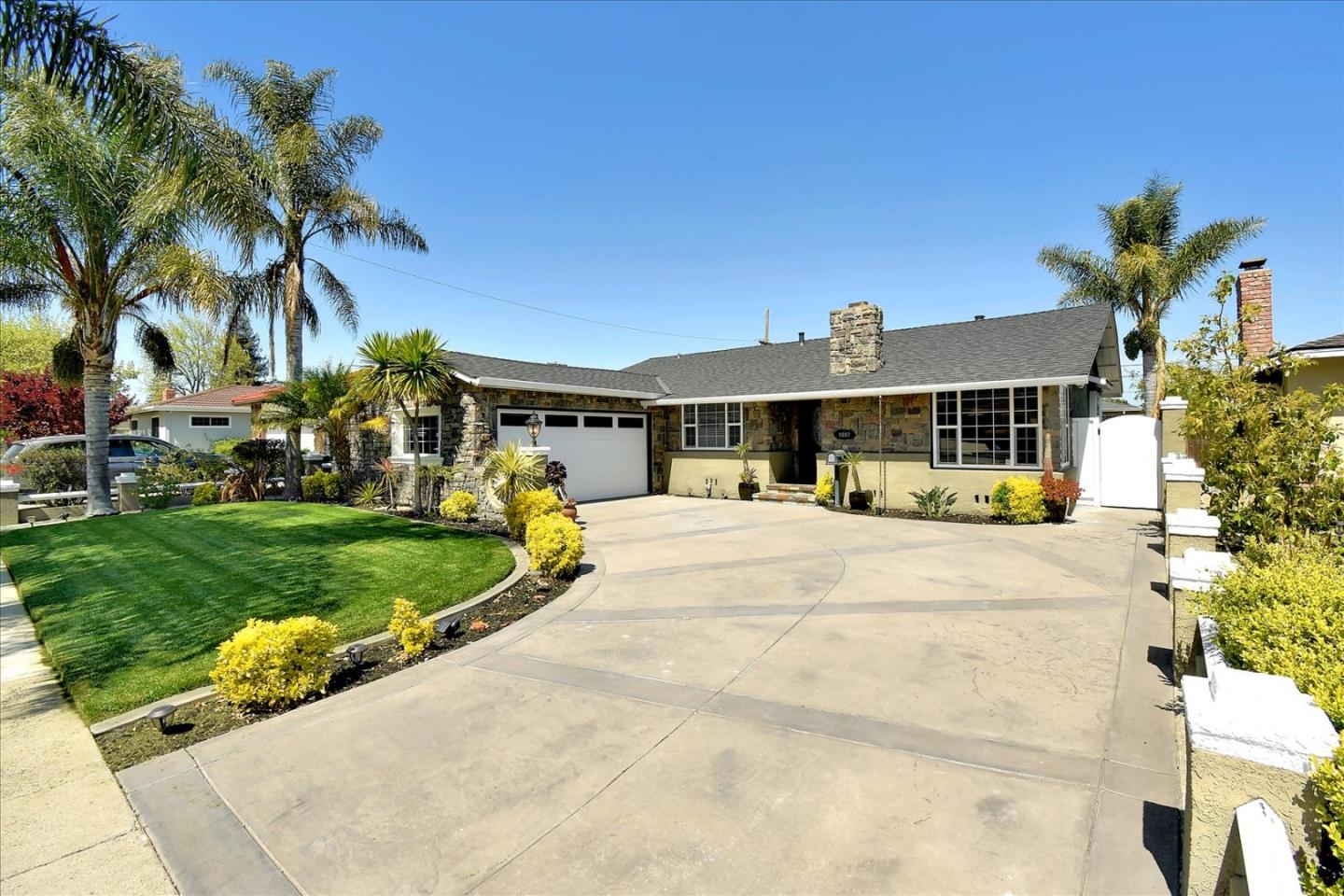 Detail Gallery Image 1 of 1 For 1687 Milroy Pl, San Jose,  CA 95124 - 3 Beds | 2 Baths