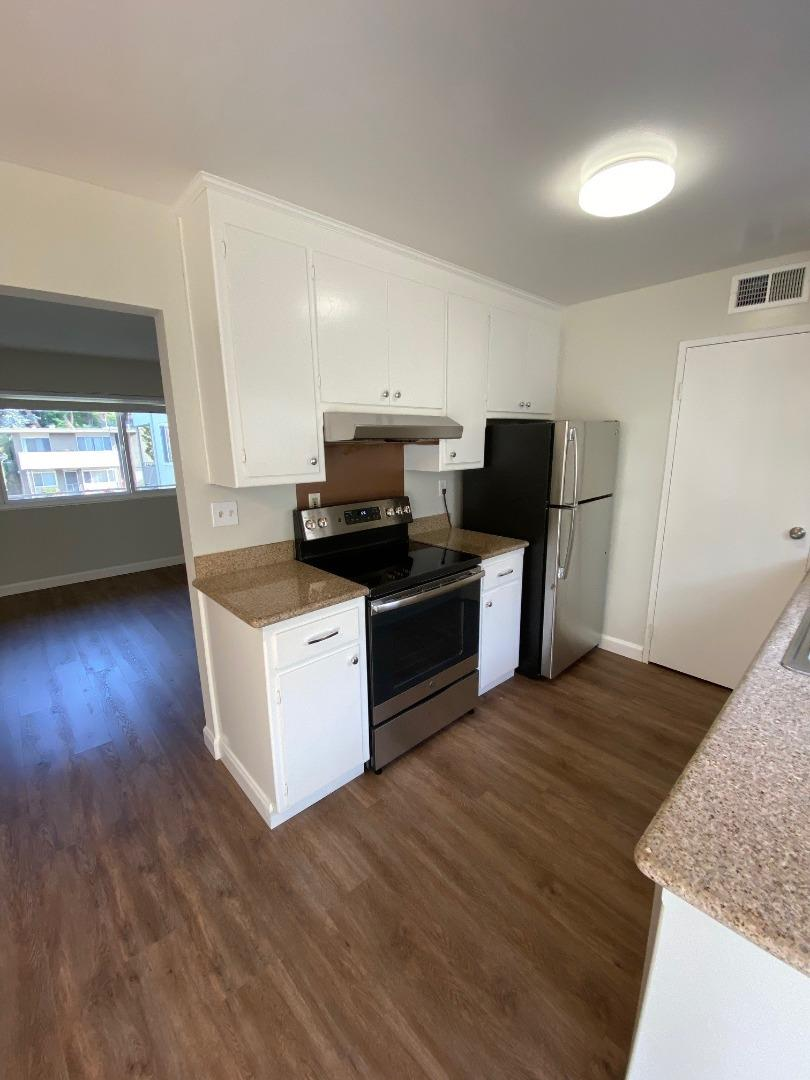 Detail Gallery Image 1 of 10 For 1300 Palos Verdes Dr #4,  San Mateo,  CA 94403 - 1 Beds | 1 Baths