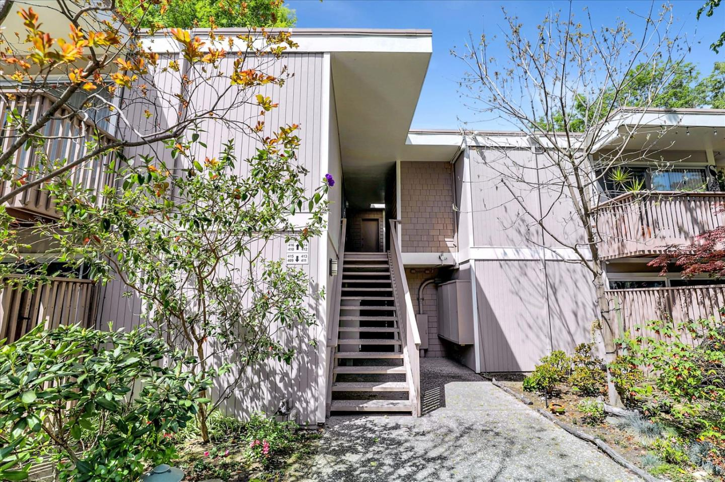 Detail Gallery Image 1 of 24 For 280 Easy St #410,  Mountain View,  CA 94043 - 2 Beds   1 Baths