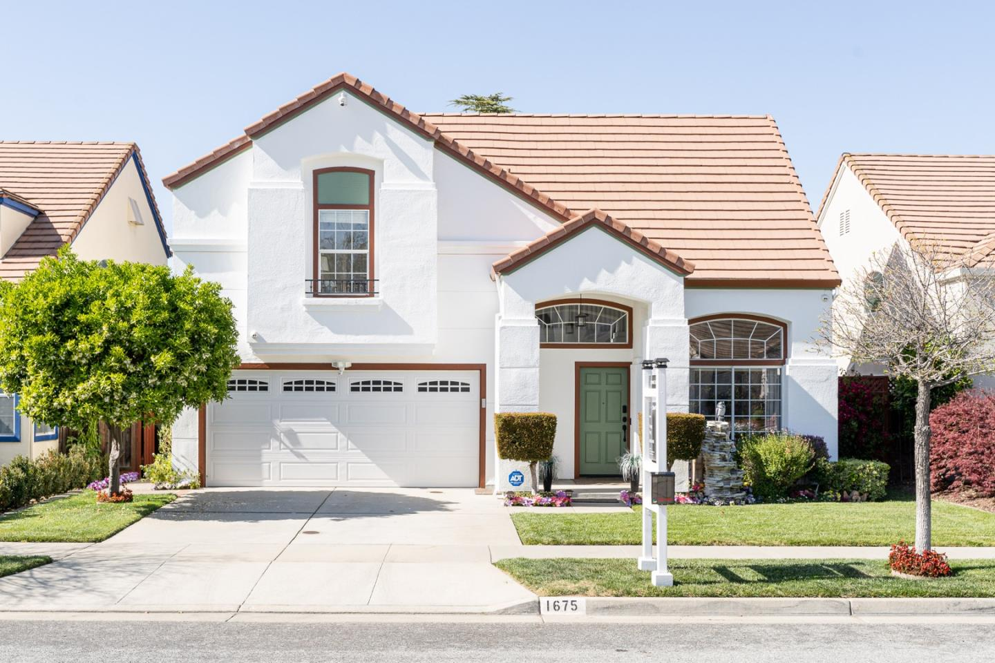 Detail Gallery Image 1 of 40 For 1675 Tupolo Dr, San Jose,  CA 95124 - 3 Beds | 2/1 Baths