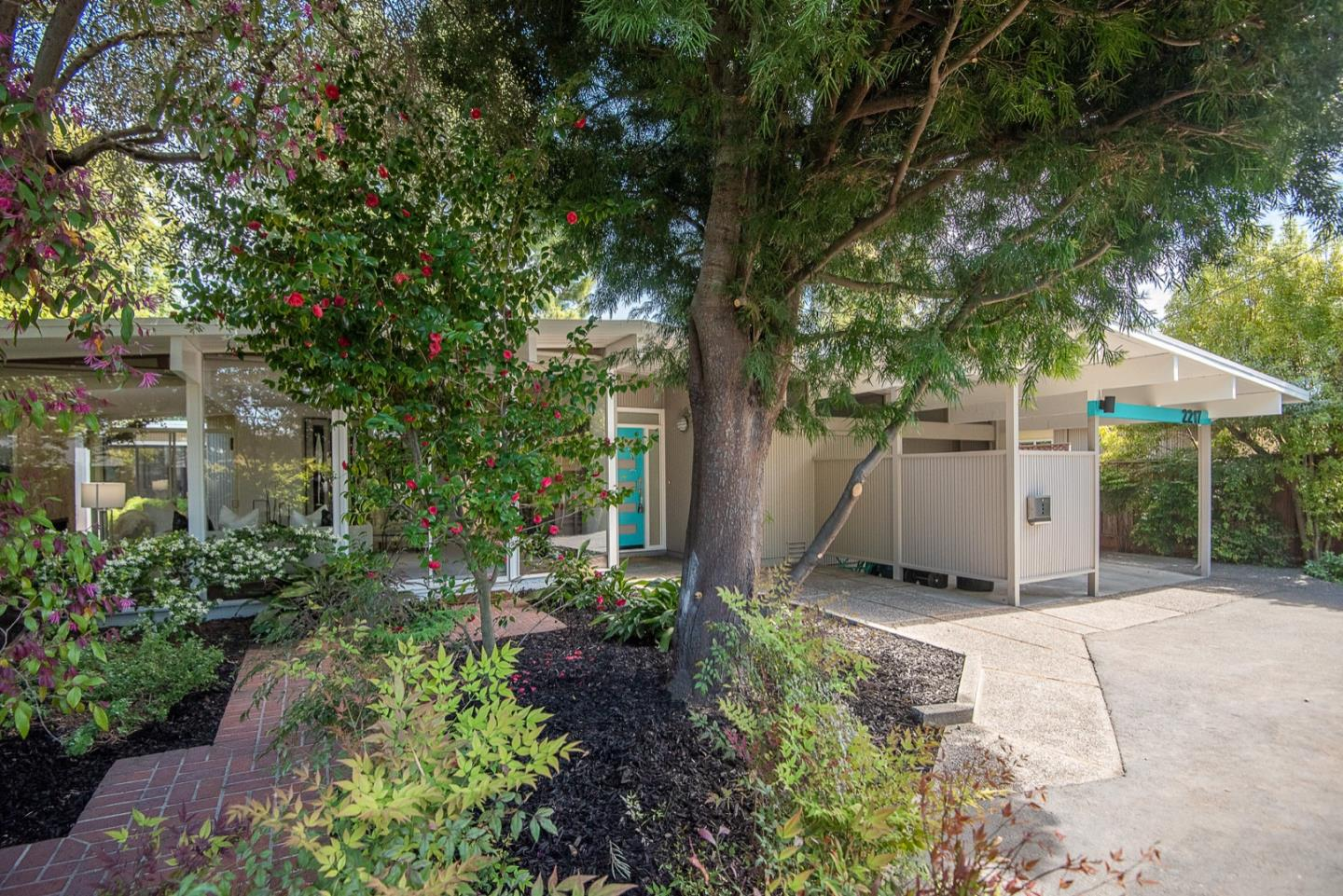 Detail Gallery Image 1 of 1 For 2217 Greer Rd, Palo Alto,  CA 94303 - 4 Beds   2/1 Baths