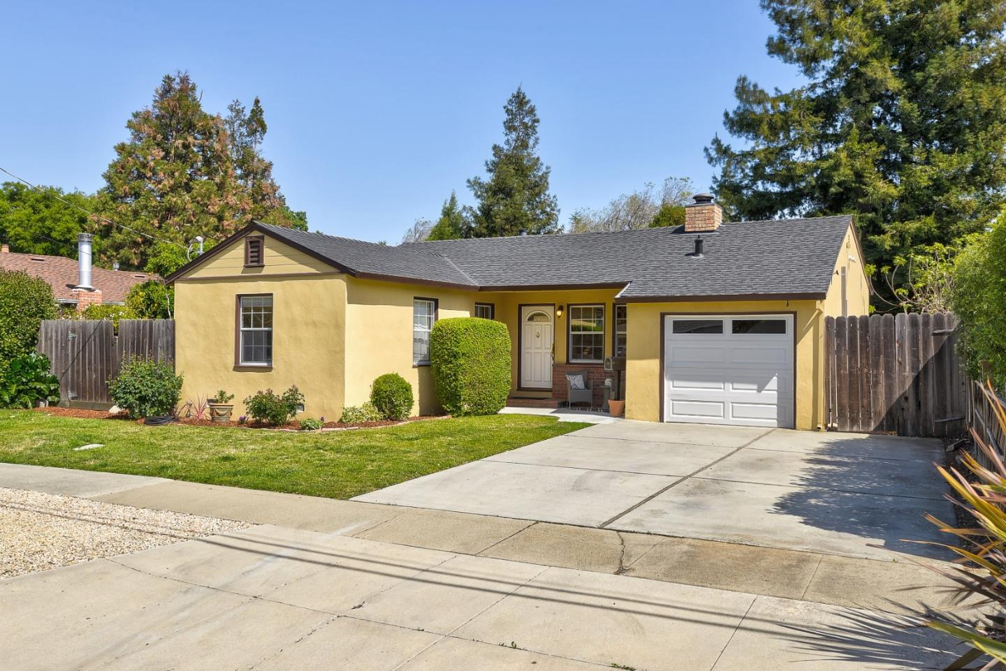 Detail Gallery Image 1 of 17 For 804 14th Ave, Menlo Park,  CA 94025 - 2 Beds | 2 Baths