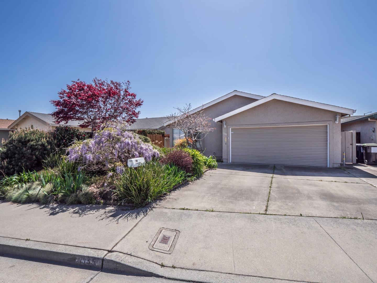 Detail Gallery Image 1 of 1 For 535 Vivienne Dr, Watsonville,  CA 95076 - 2 Beds | 2 Baths