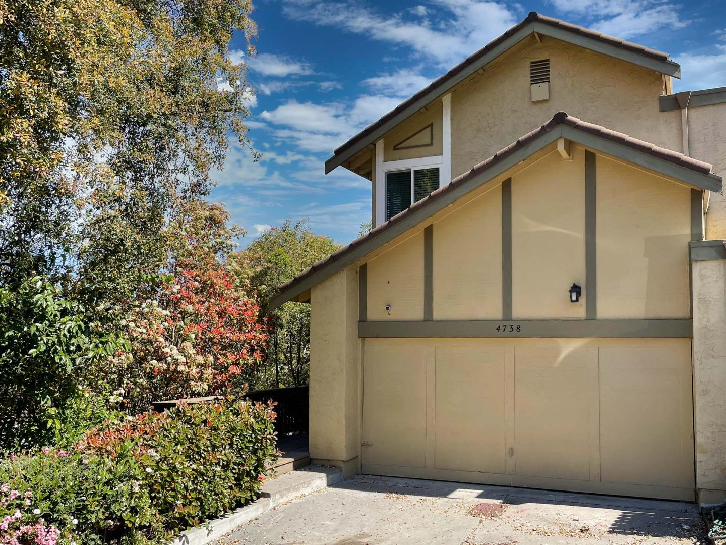 Detail Gallery Image 1 of 1 For 4738 Snow Dr, San Jose,  CA 95111 - 3 Beds | 2/1 Baths