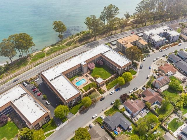 Detail Gallery Image 1 of 35 For 850 Park Ave 8a,  Capitola,  CA 95010 - 2 Beds   2 Baths