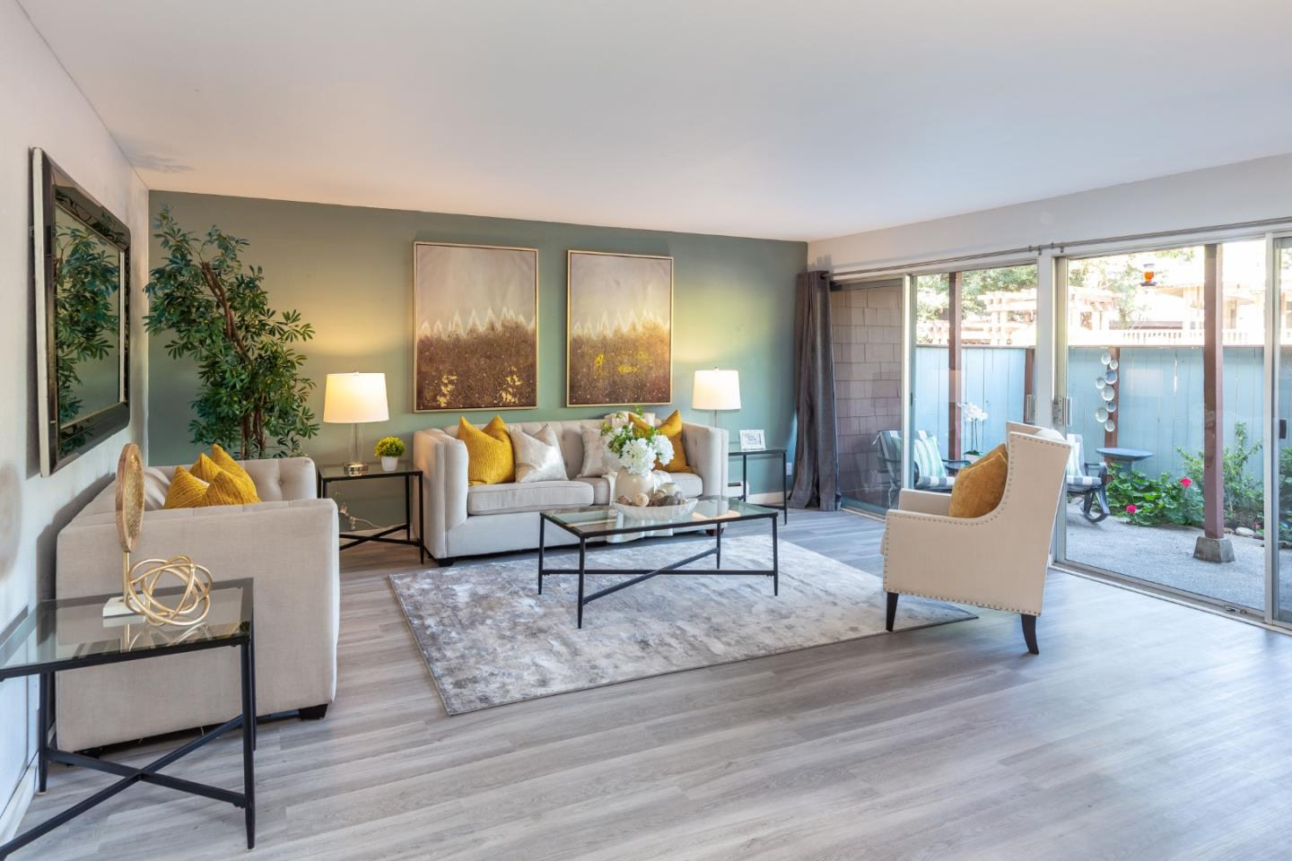 Detail Gallery Image 1 of 16 For 500 W Middlefield Rd #44,  Mountain View,  CA 94043 - 2 Beds | 2 Baths