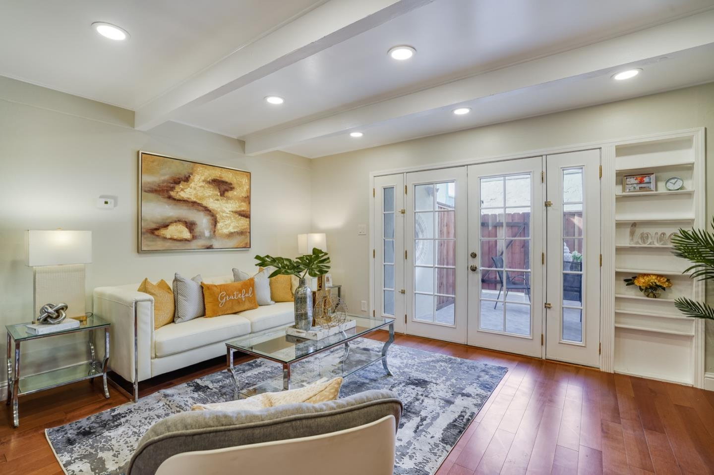 Detail Gallery Image 1 of 52 For 606 S Humboldt St #6,  San Mateo,  CA 94402 - 2 Beds | 1/1 Baths