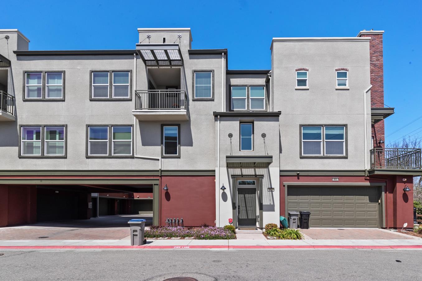 Detail Gallery Image 1 of 23 For 807 Gaspar Vis, San Jose,  CA 95126 - 2 Beds | 2/1 Baths