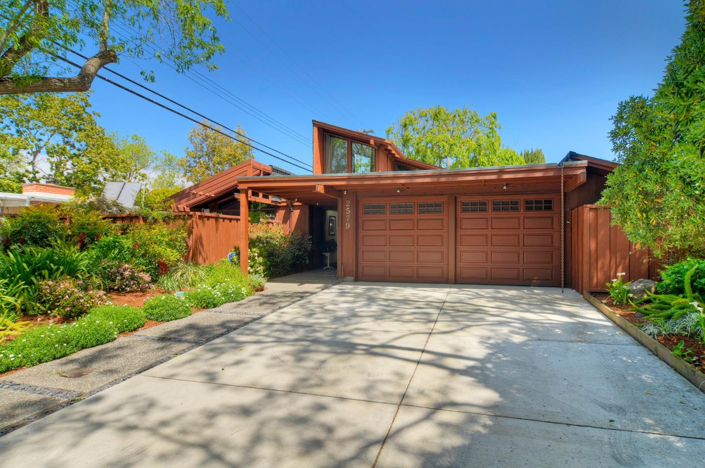 Detail Gallery Image 1 of 1 For 2579 Greer Rd, Palo Alto,  CA 94303 - 3 Beds | 2 Baths