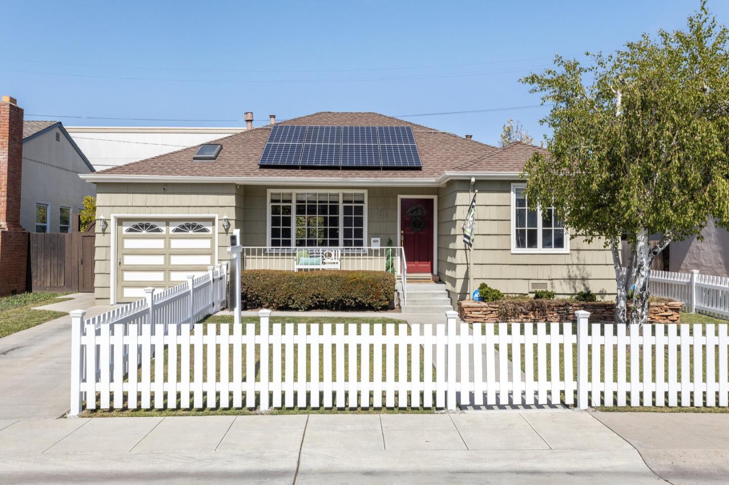 Detail Gallery Image 1 of 50 For 1311 Carlisle Dr, San Mateo,  CA 94402 - 3 Beds | 3 Baths