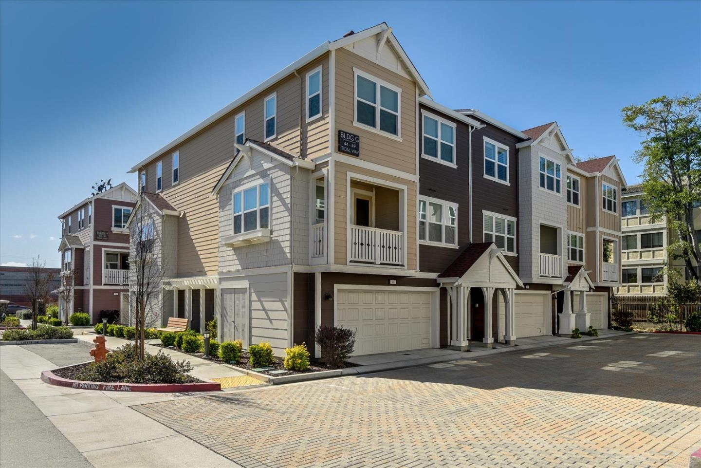 Detail Gallery Image 1 of 18 For 45 Tidal Way, San Mateo,  CA 94401 - 2 Beds | 2/1 Baths