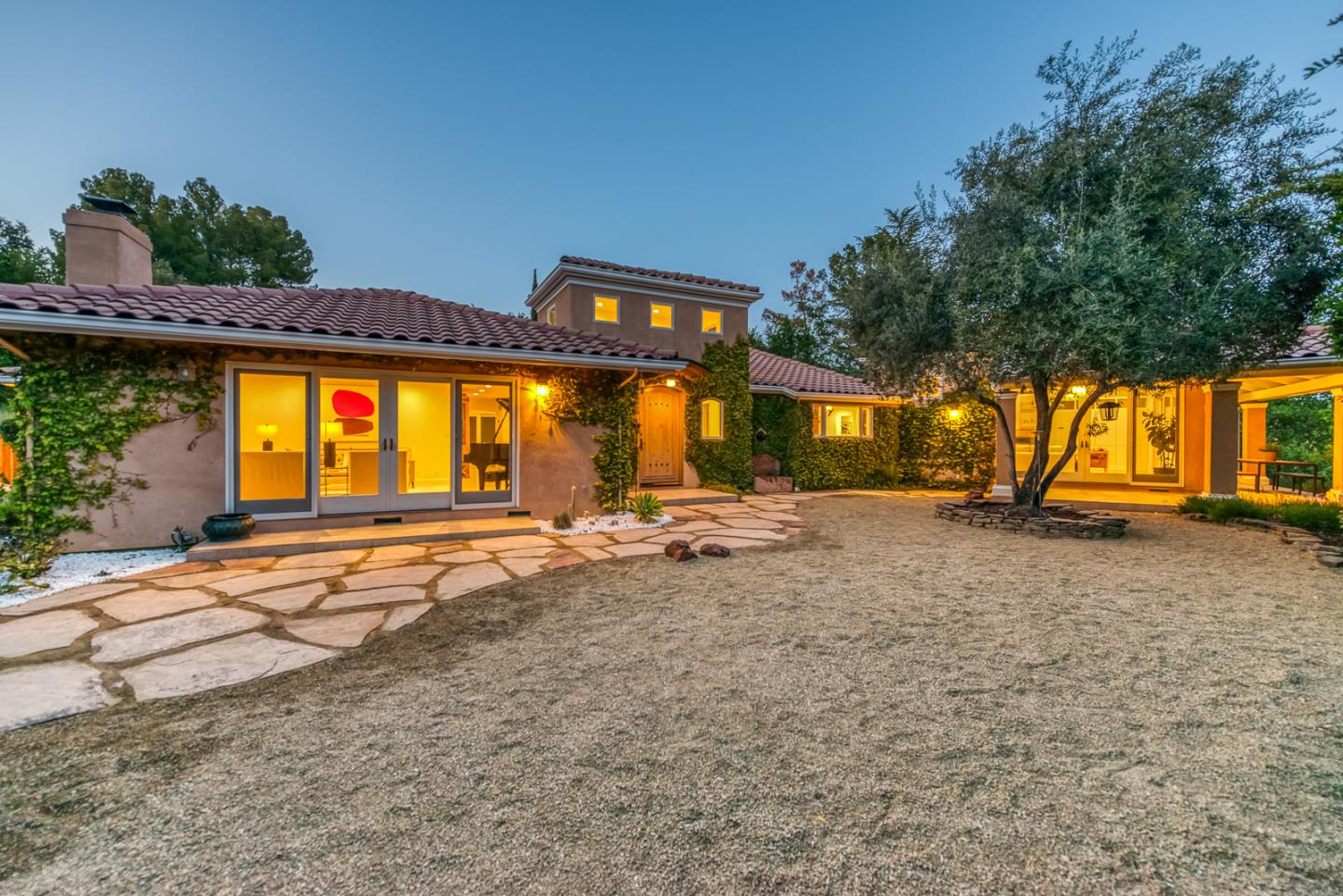 Detail Gallery Image 1 of 61 For 11261 Magdalena Rd, Los Altos Hills,  CA 94024 - 4 Beds | 3/1 Baths