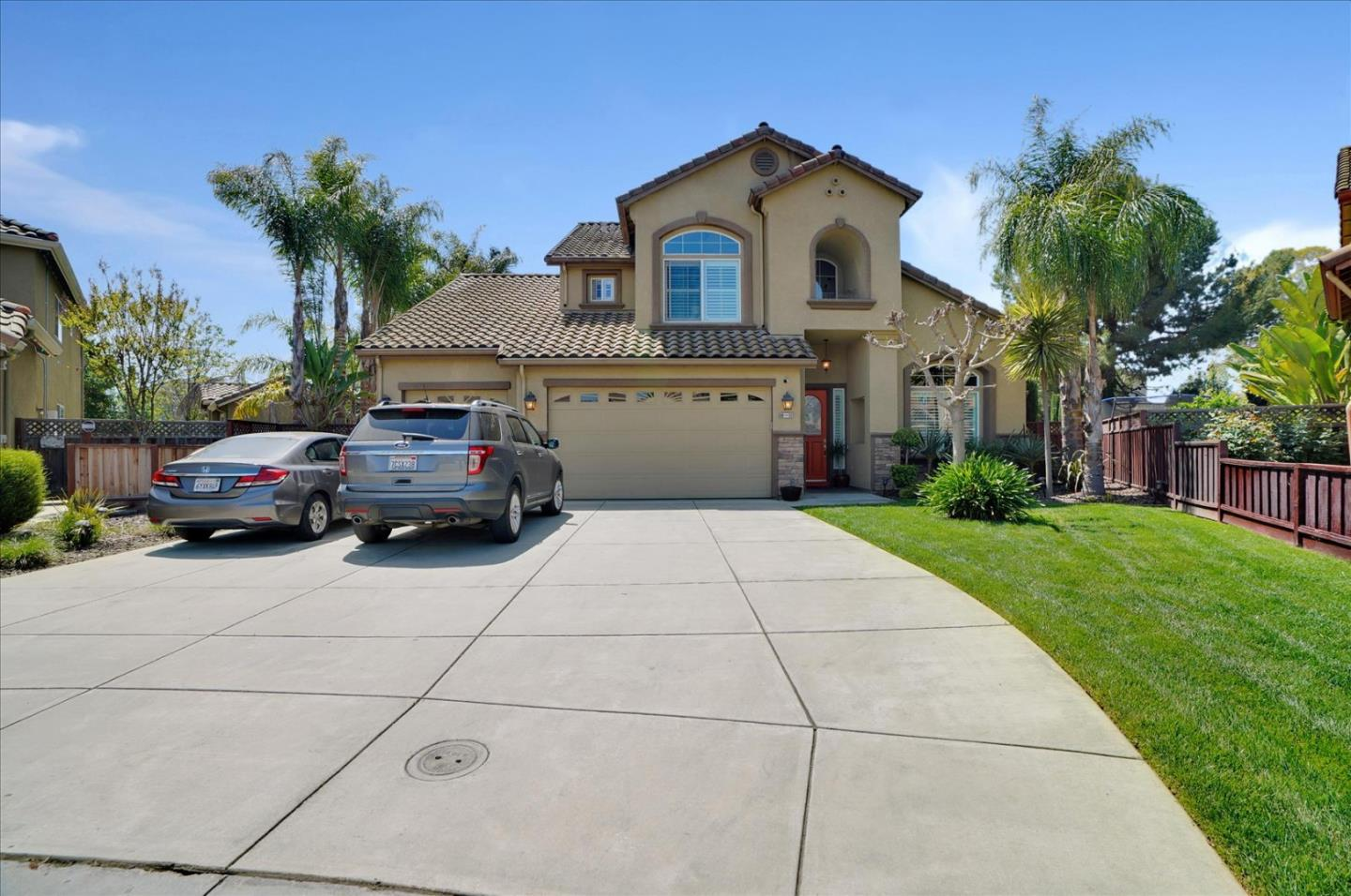 Detail Gallery Image 1 of 60 For 60 Ervin Ct, Gilroy,  CA 95020 - 5 Beds | 4/1 Baths