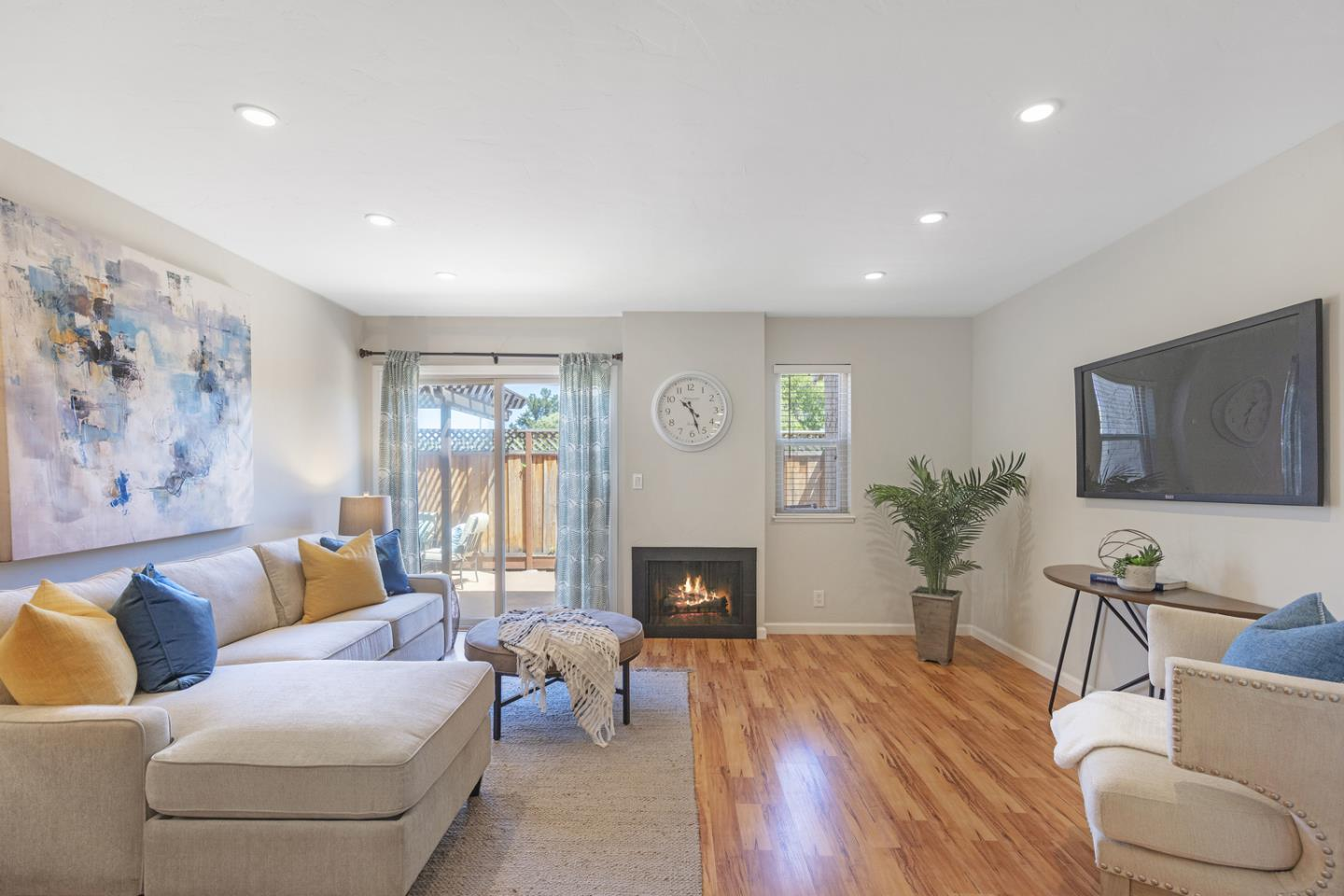 Detail Gallery Image 1 of 1 For 433 W Rincon Ave #M,  Campbell,  CA 95008 - 2 Beds   1/1 Baths