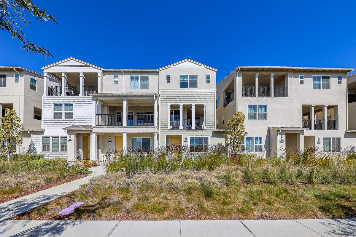 Detail Gallery Image 1 of 1 For 37627 Cape Cod Rd, Newark,  CA 94560 - 4 Beds | 3/1 Baths