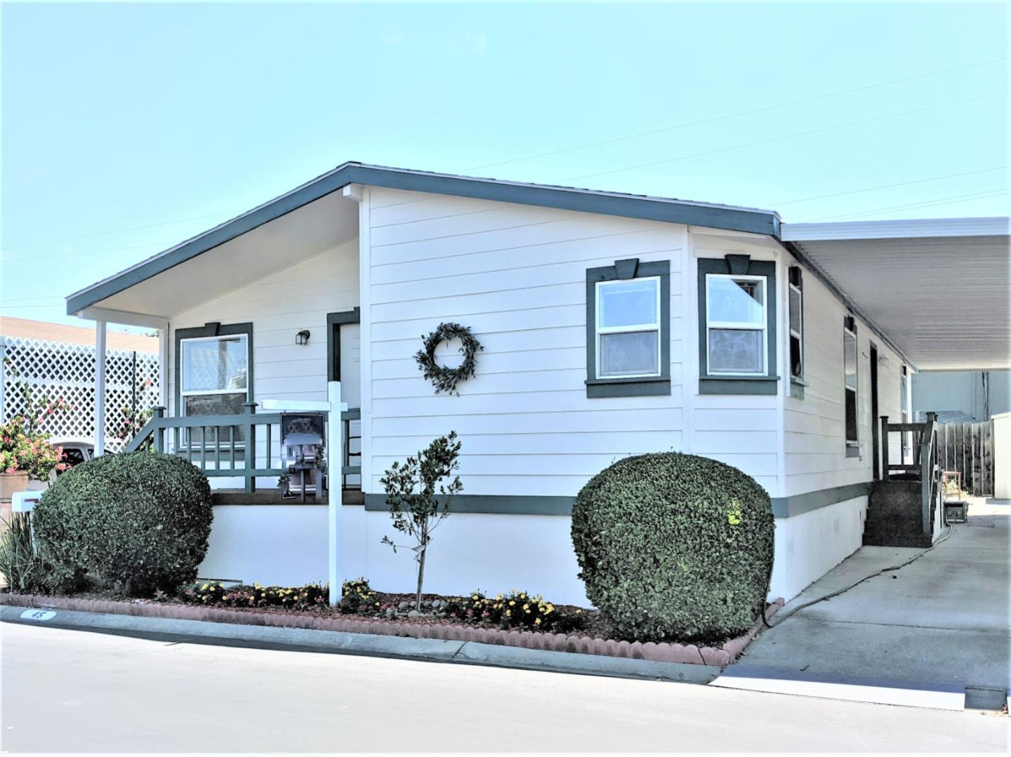 Detail Gallery Image 1 of 29 For 433 Sylvan Ave #45,  Mountain View,  CA 94041 - 3 Beds | 2 Baths