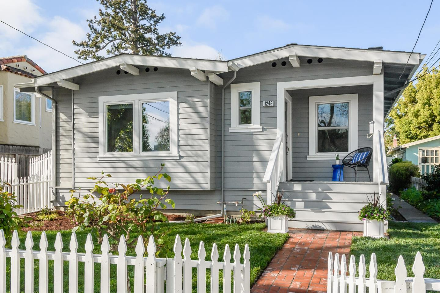 Detail Gallery Image 1 of 1 For 1249 Laguna Ave, Burlingame,  CA 94010 - 3 Beds | 2 Baths