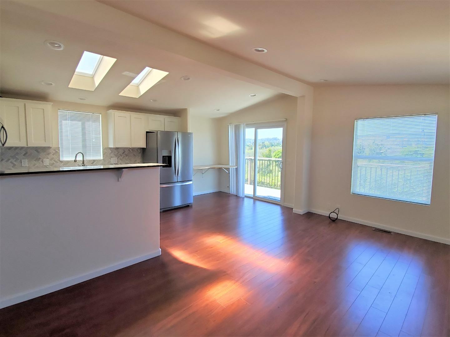 Detail Gallery Image 1 of 27 For 170 W Cliff #64,  Santa Cruz,  CA 95060 - 2 Beds | 2 Baths