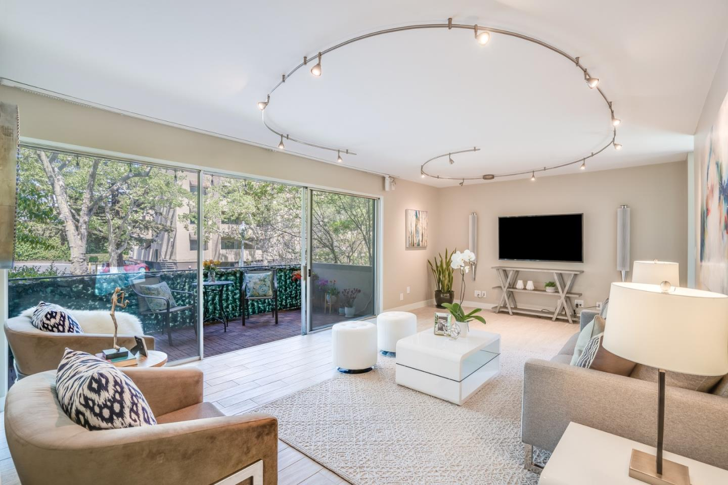 Detail Gallery Image 1 of 47 For 455 Grant Ave #5,  Palo Alto,  CA 94306 - 3 Beds   2 Baths