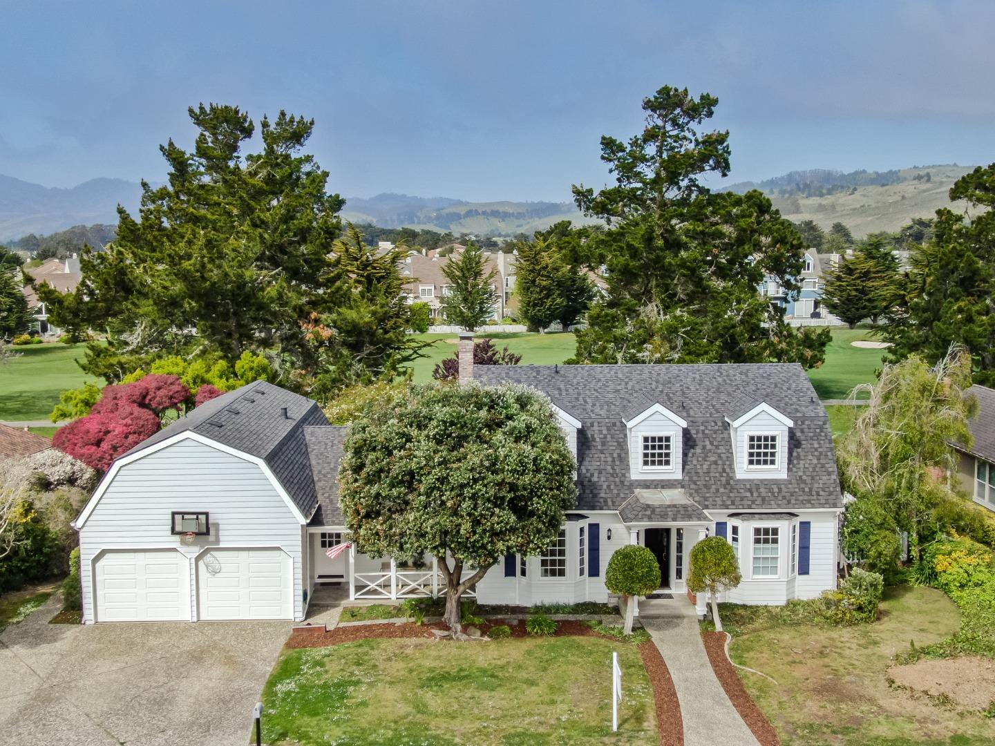 Detail Gallery Image 1 of 63 For 417 Greenbrier Rd, Half Moon Bay,  CA 94019 - 4 Beds | 2/1 Baths