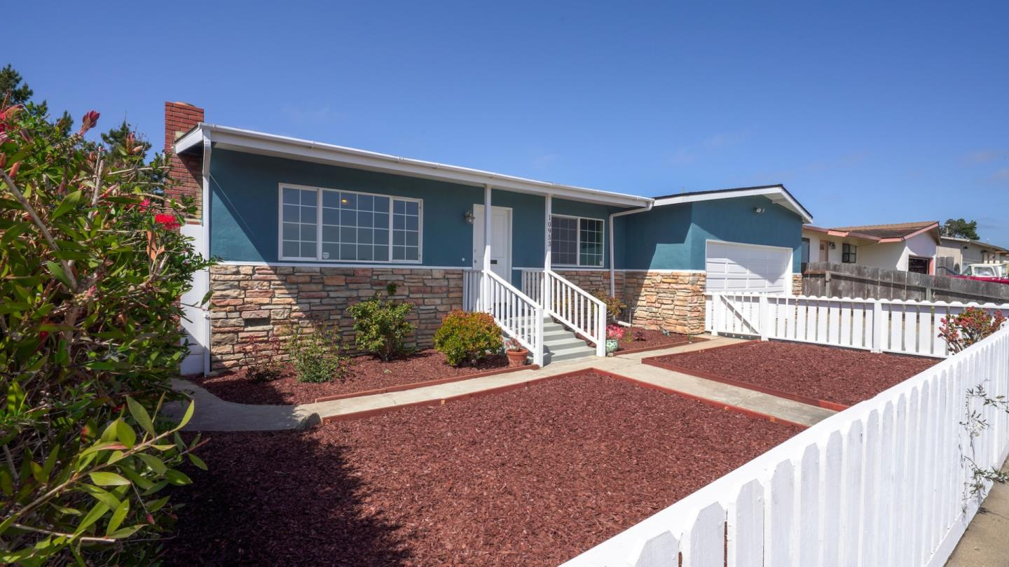 Detail Gallery Image 1 of 36 For 10953 Potrero Rd, Moss Landing,  CA 95039 - 3 Beds | 1/1 Baths