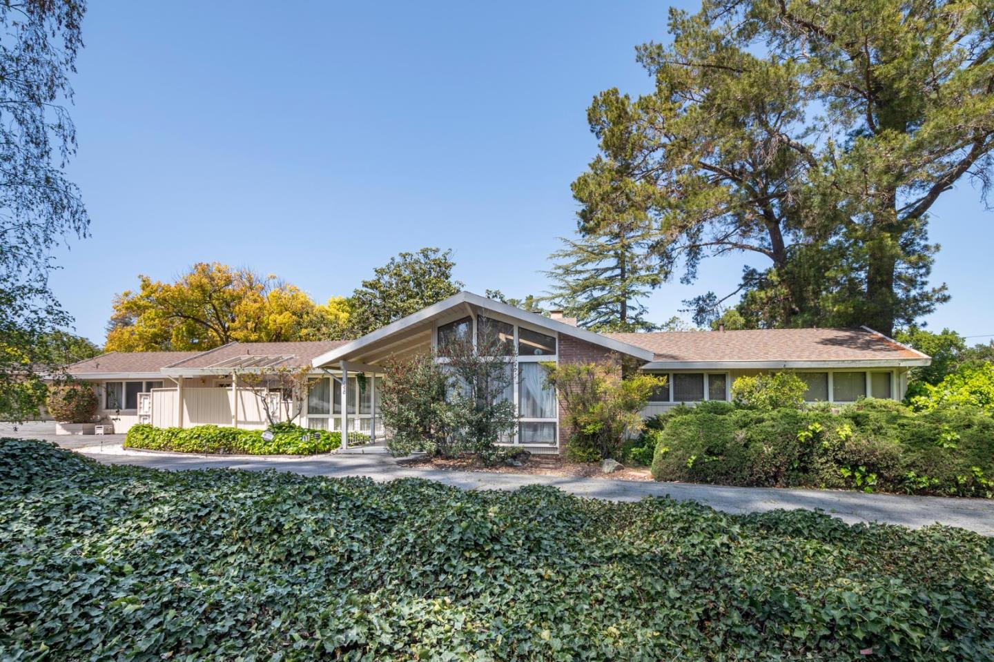 Detail Gallery Image 1 of 1 For 1950 Ralston Ave, Hillsborough,  CA 94010 - 4 Beds   3 Baths