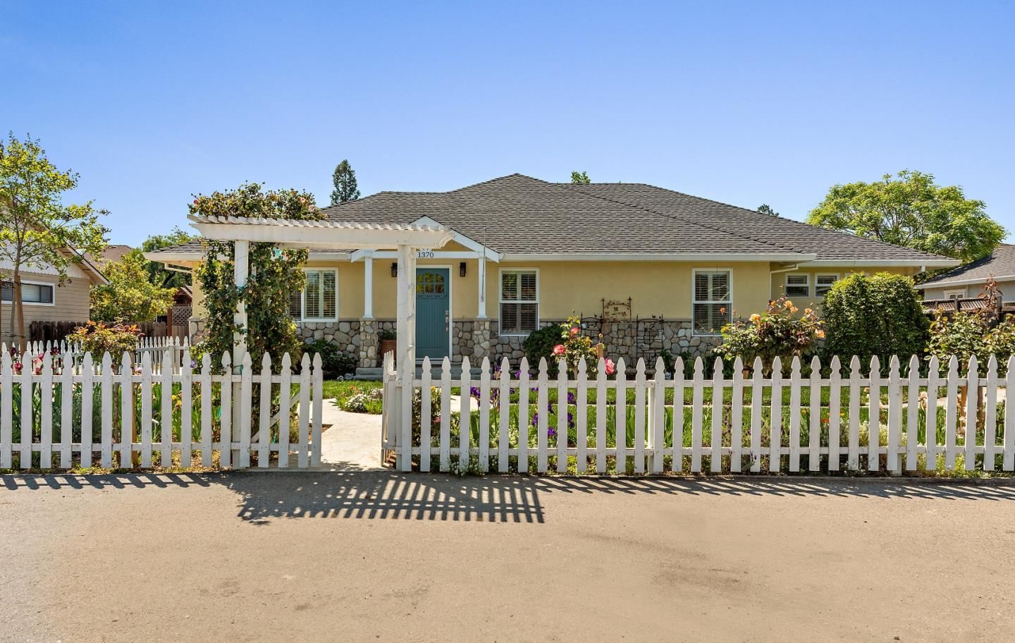 Detail Gallery Image 1 of 1 For 1370 Juanita Way, Campbell,  CA 95008 - 3 Beds | 2 Baths