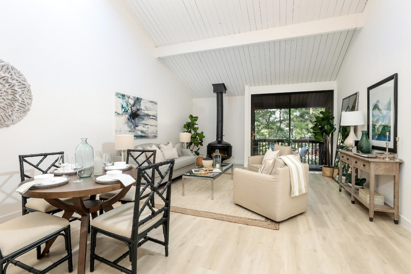 Detail Gallery Image 1 of 1 For 252 Andsbury Ave, Mountain View,  CA 94043 - 2 Beds | 1/1 Baths