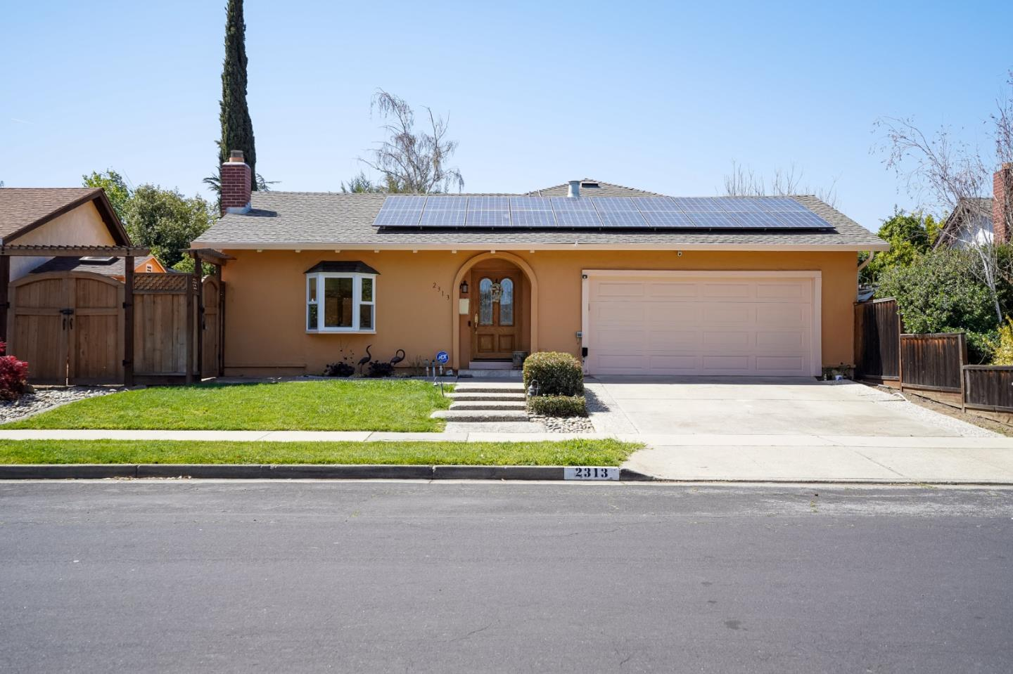 Detail Gallery Image 1 of 1 For 2313 Valerie Ct, Campbell,  CA 95008 - 4 Beds   2 Baths