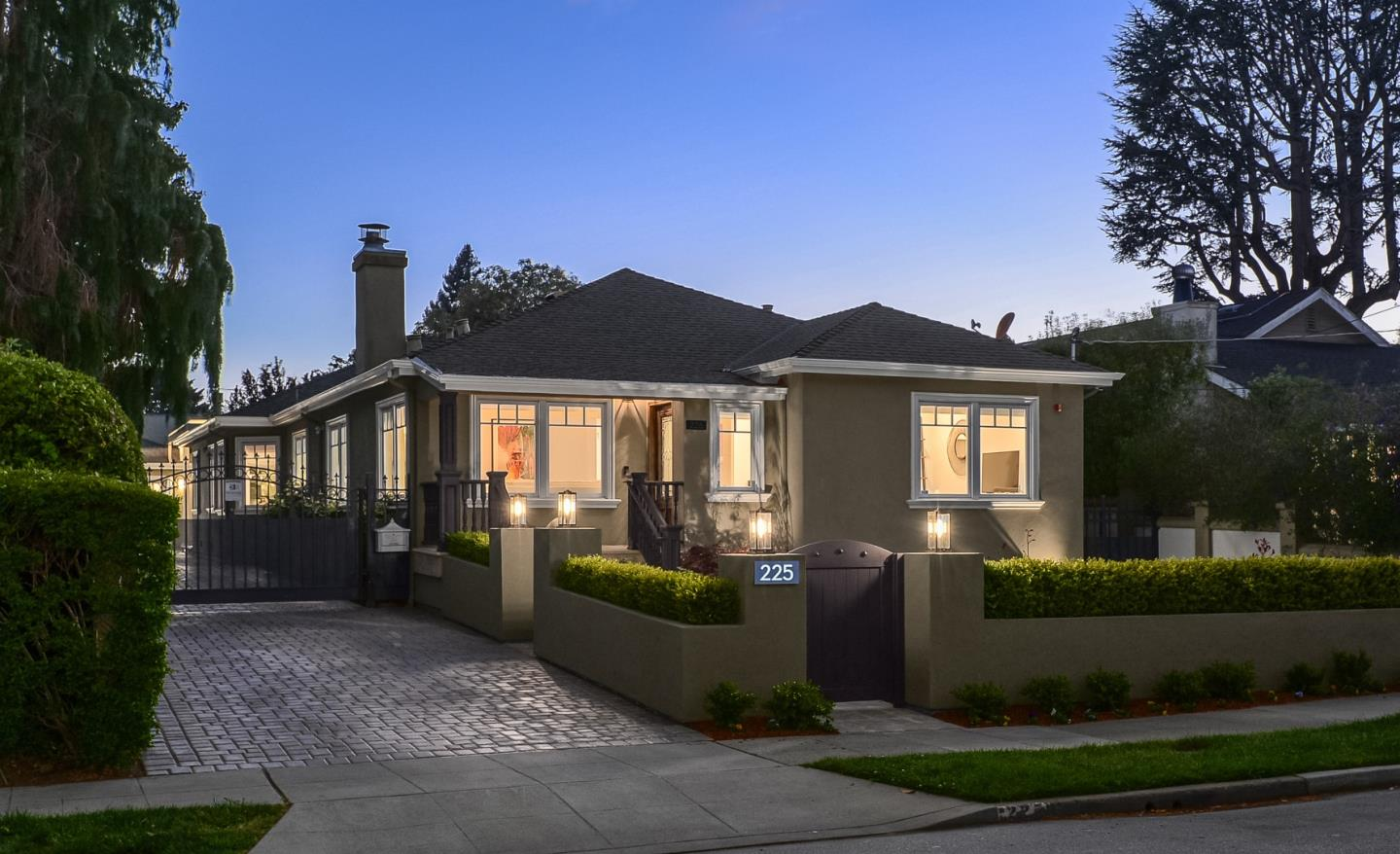 Detail Gallery Image 1 of 1 For 225 Dwight Rd, Burlingame,  CA 94010 - 4 Beds | 3/2 Baths
