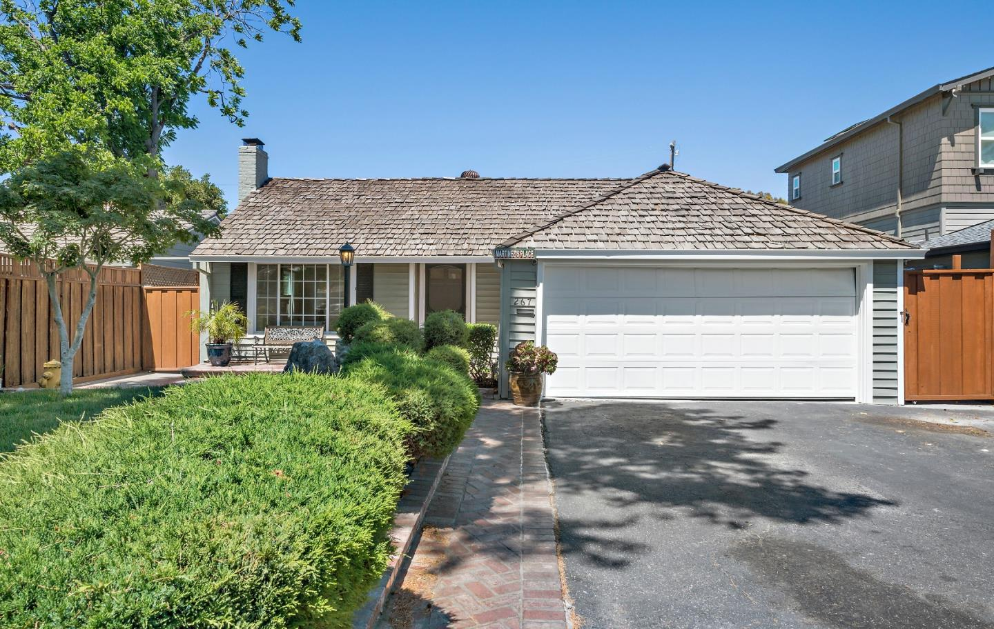 Detail Gallery Image 1 of 1 For 267 Hedge Rd, Menlo Park,  CA 94025 - 3 Beds   2 Baths