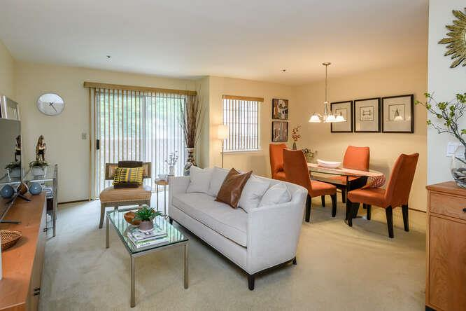 Detail Gallery Image 1 of 13 For 1019 San Gabriel Cir #438,  Daly City,  CA 94014 - 1 Beds | 1 Baths