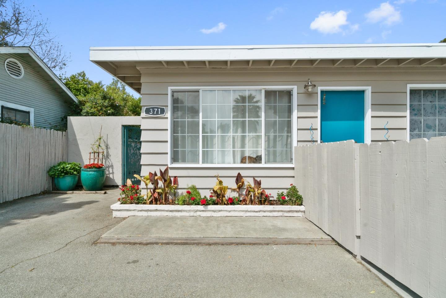 Detail Gallery Image 1 of 1 For 371 7th Ave, Santa Cruz,  CA 95062 - – Beds | – Baths