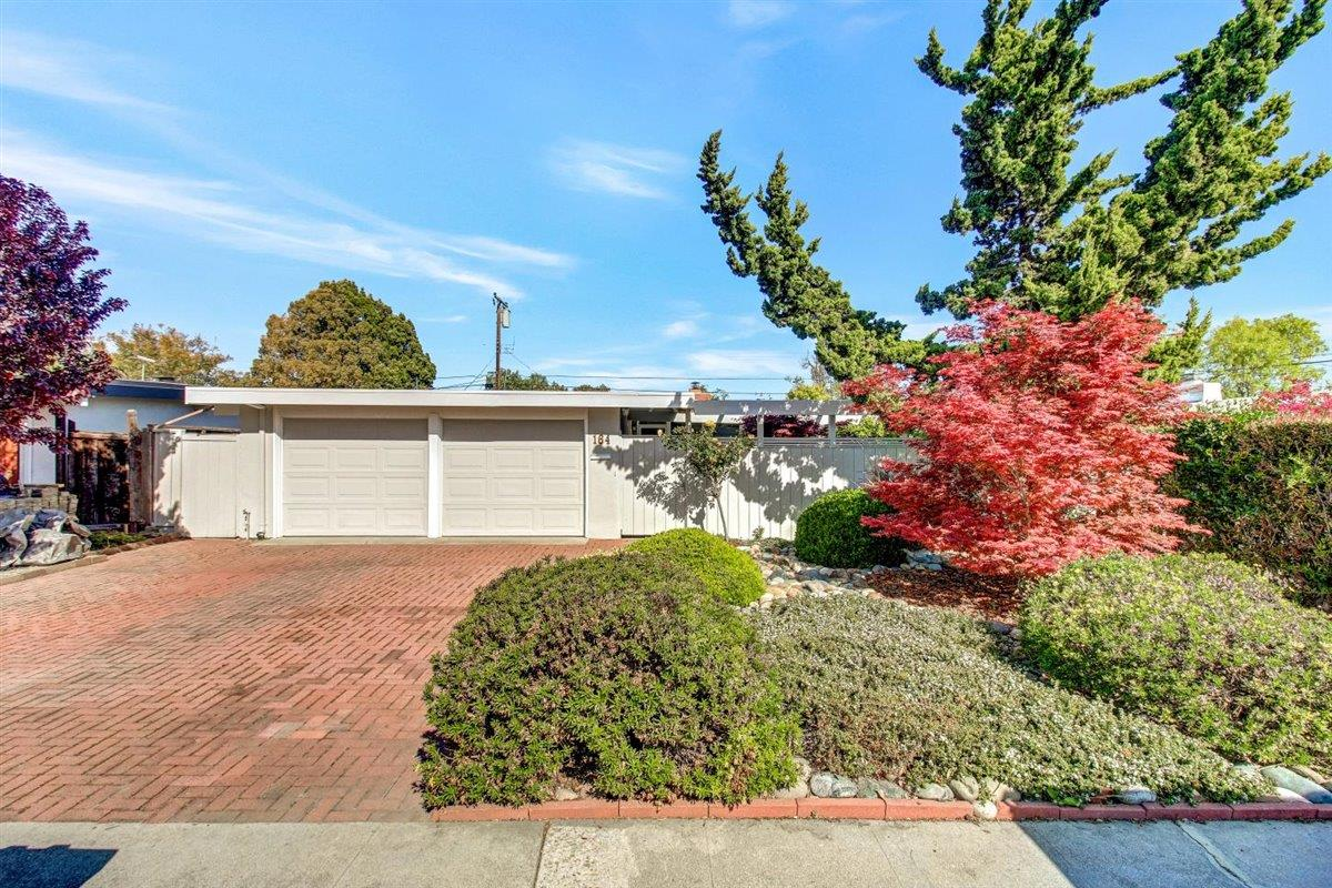 Detail Gallery Image 1 of 1 For 164 Hamilton Ave, Mountain View,  CA 94043 - 3 Beds | 2 Baths