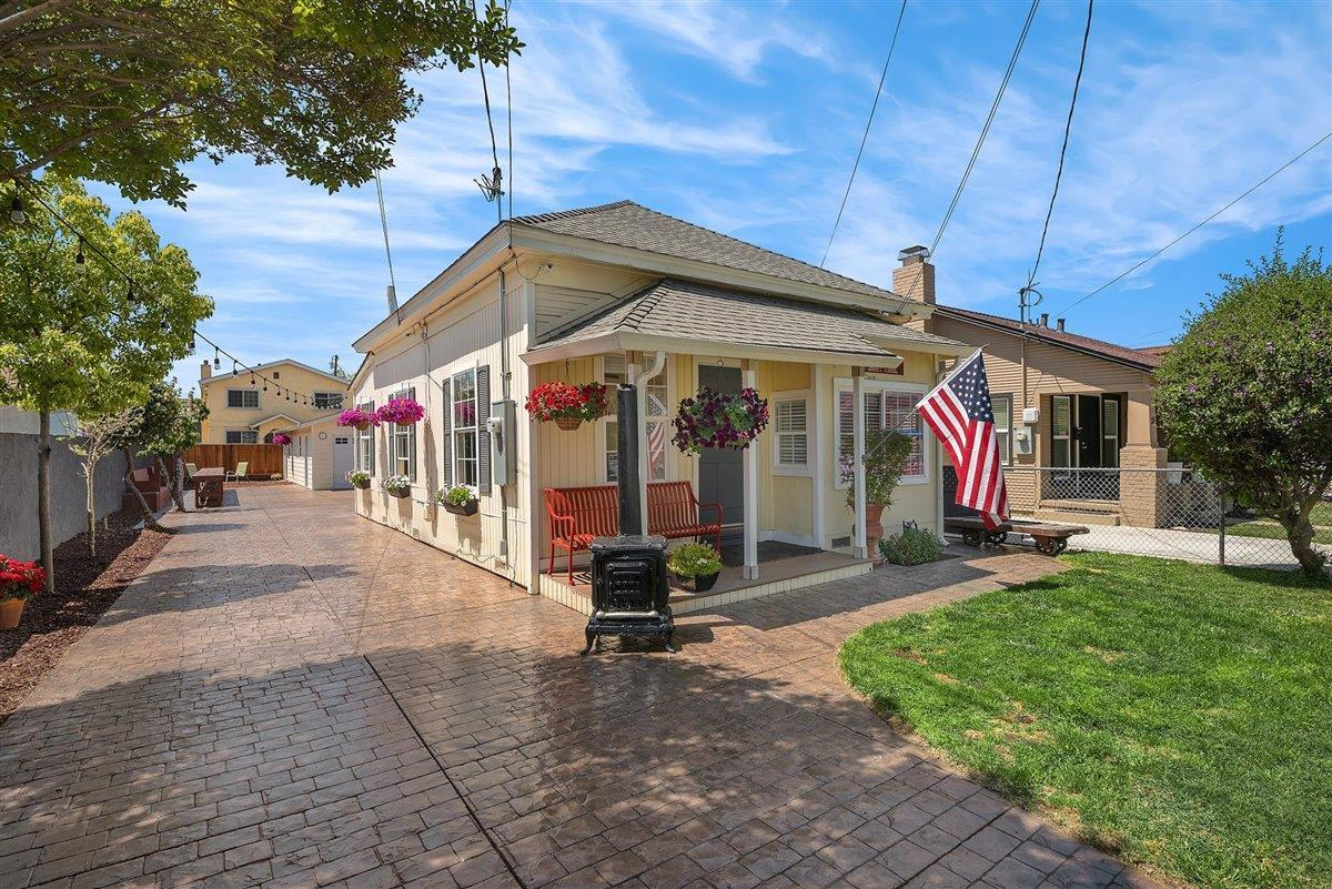 23 N 26th ST, SAN JOSE, California 95116, ,Residential Income (2-4 Units),For Sale,23 N 26th ST,ML81840441