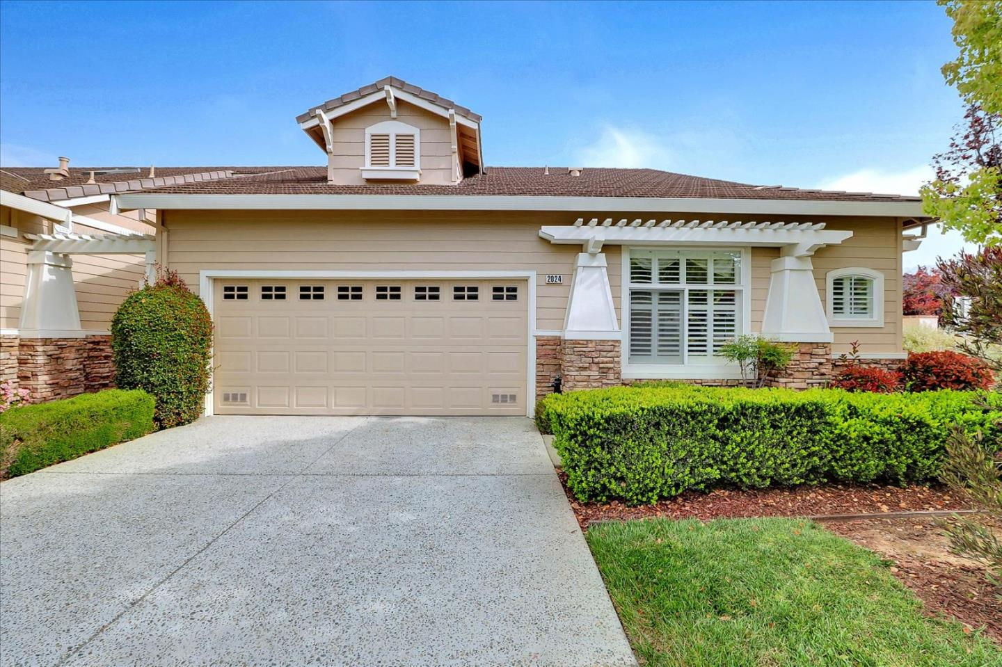 Detail Gallery Image 1 of 1 For 2024 Carignan Way, San Jose,  CA 95135 - 3 Beds | 2 Baths