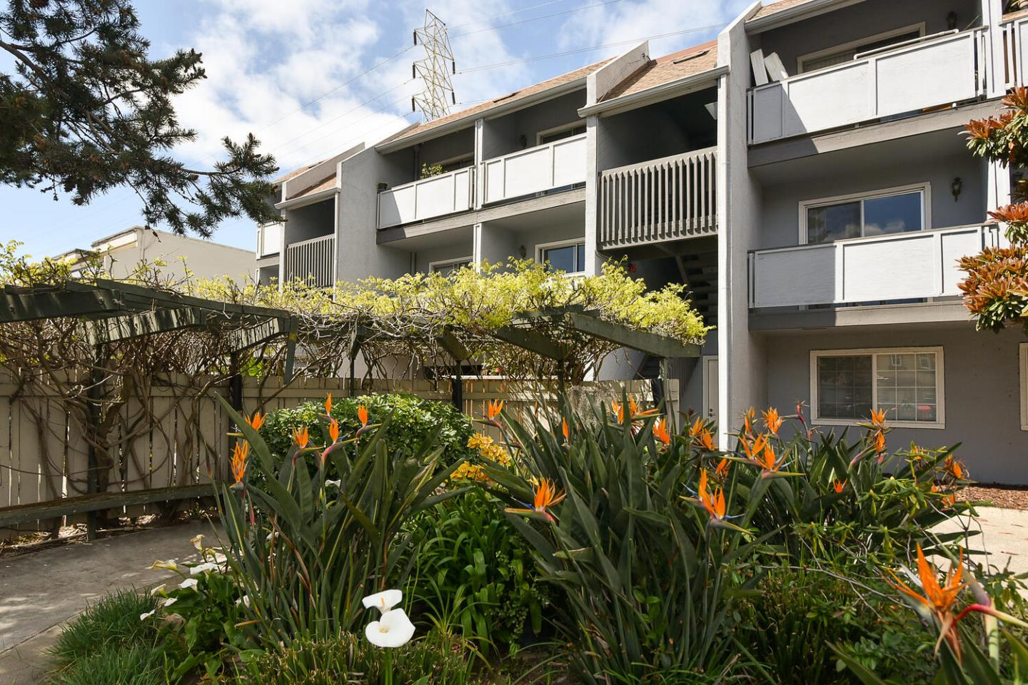 Detail Gallery Image 1 of 22 For 650 Alamo Ct #9,  Mountain View,  CA 94043 - 2 Beds | 1 Baths