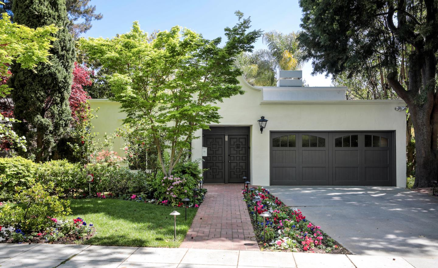 Detail Gallery Image 1 of 1 For 543 W Crescent Dr, Palo Alto,  CA 94301 - 4 Beds   2/1 Baths