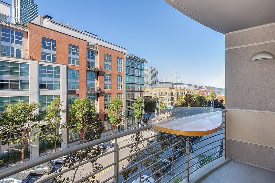 Detail Gallery Image 1 of 1 For 219 Brannan St 4d,  San Francisco,  CA 94107 - 2 Beds | 2 Baths
