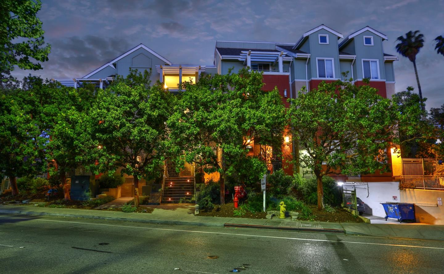 Detail Gallery Image 1 of 20 For 2330 University Ave #360,  East Palo Alto,  CA 94303 - 3 Beds | 2 Baths