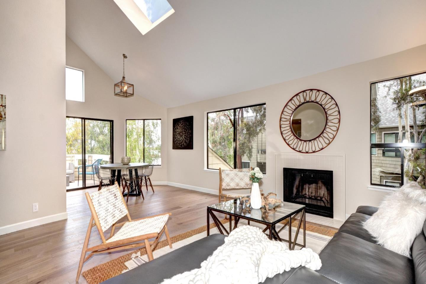 Detail Gallery Image 1 of 1 For 1076 Shoreline Dr, San Mateo,  CA 94404 - 1 Beds   1/1 Baths